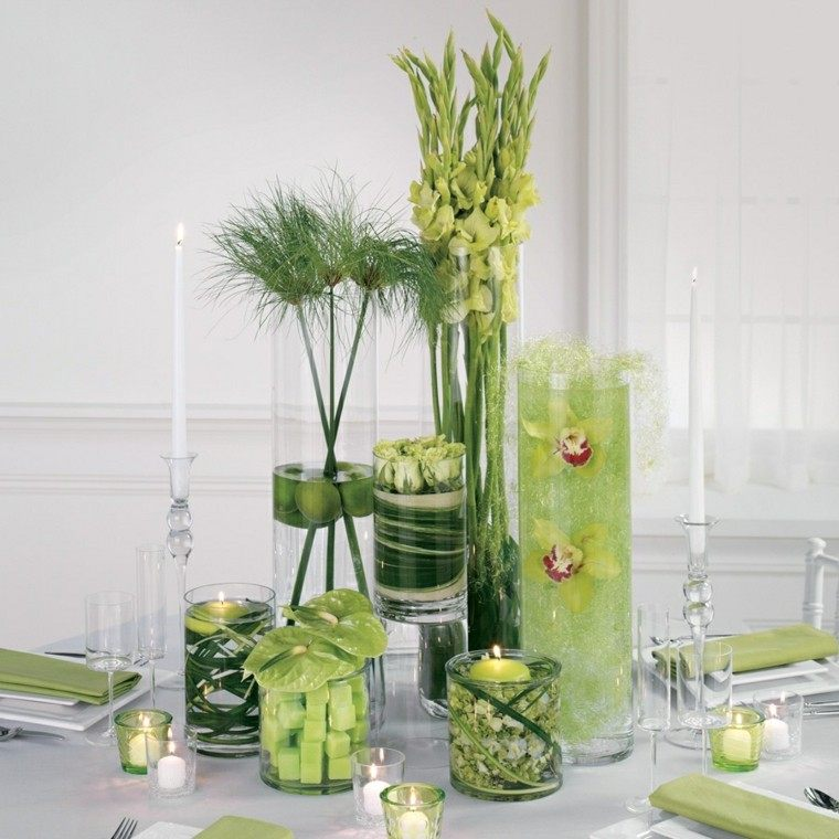 varios recipientes cristal flores velas decorativas ideas