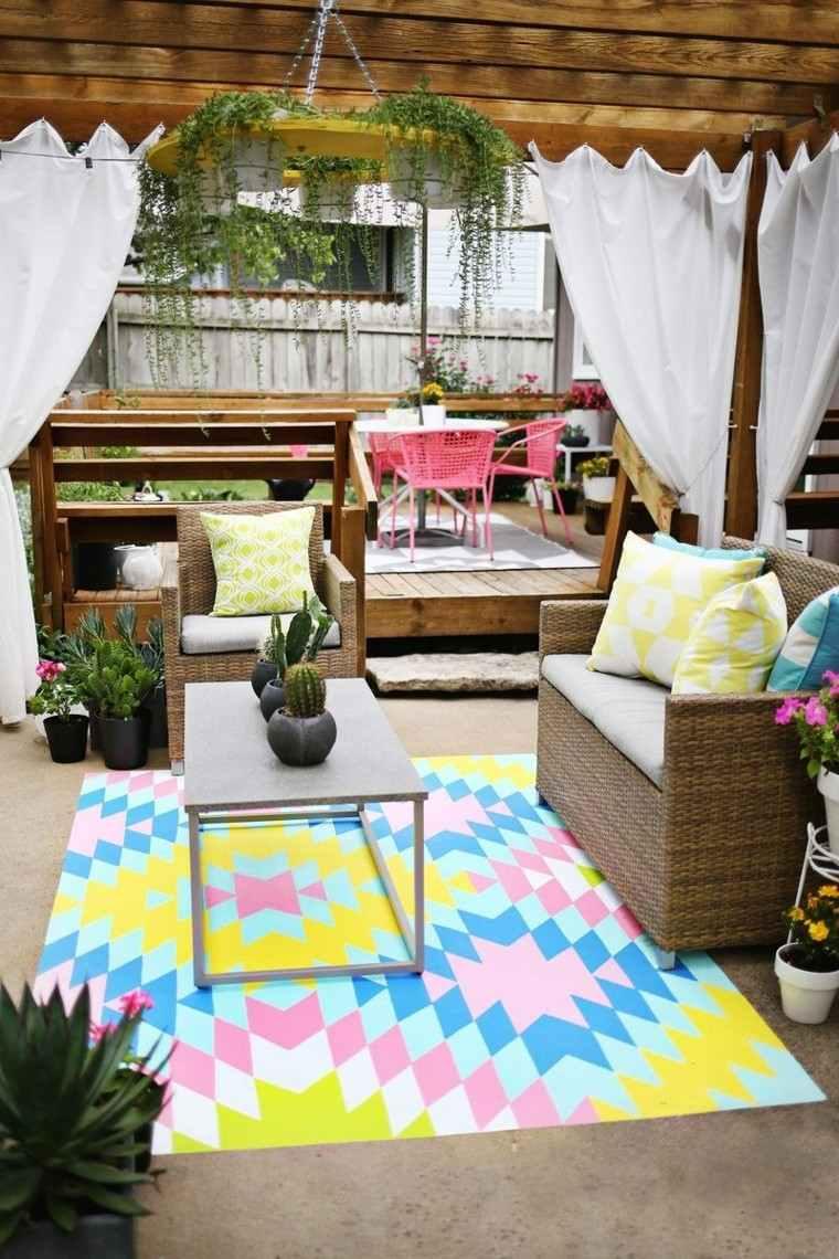 verano patio diseño colorido acogedor