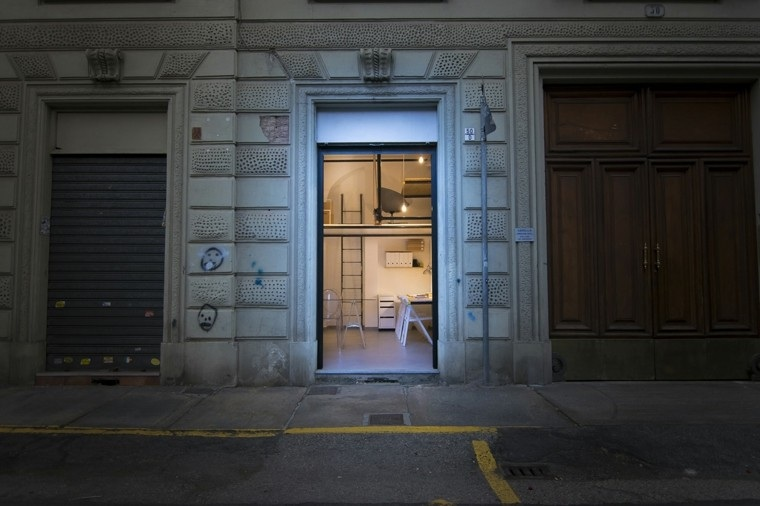 vista acceso exterior oficina puerta