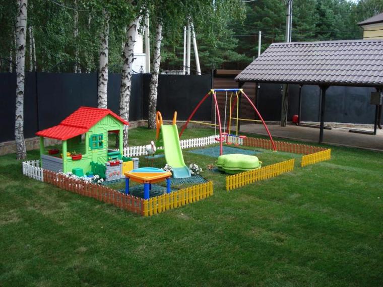 Parques infantiles en el jard n para un verano divertido for Casa de juguetes para jardin