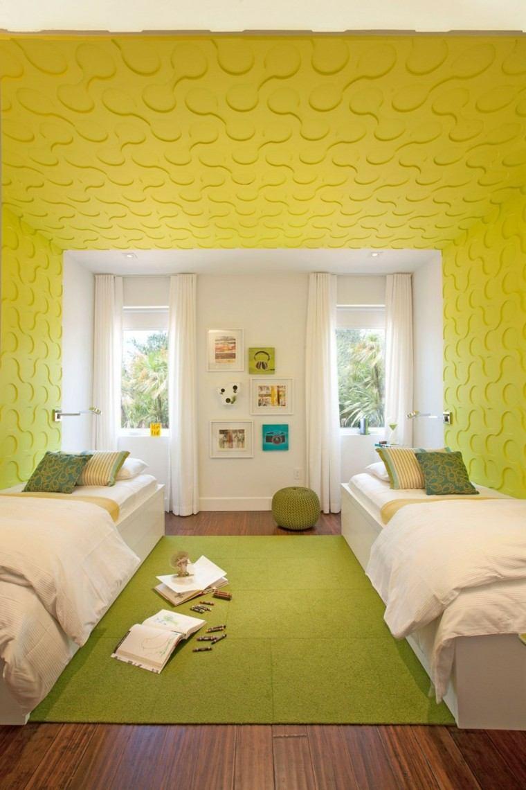 pared amarilla dos camas habitacion moderna ideas
