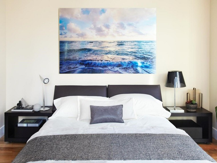 Interiores minimalistas 100 ideas para el dormitorio - Que cuadros poner en el dormitorio ...