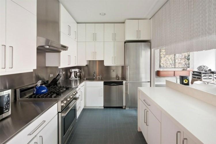 Paneles decorativos 50 ideas para la pared de la cocina - Armario pared cocina ...