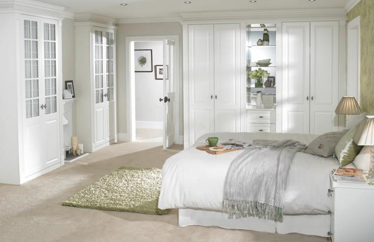 agradable mobiliario blanco cristales verde