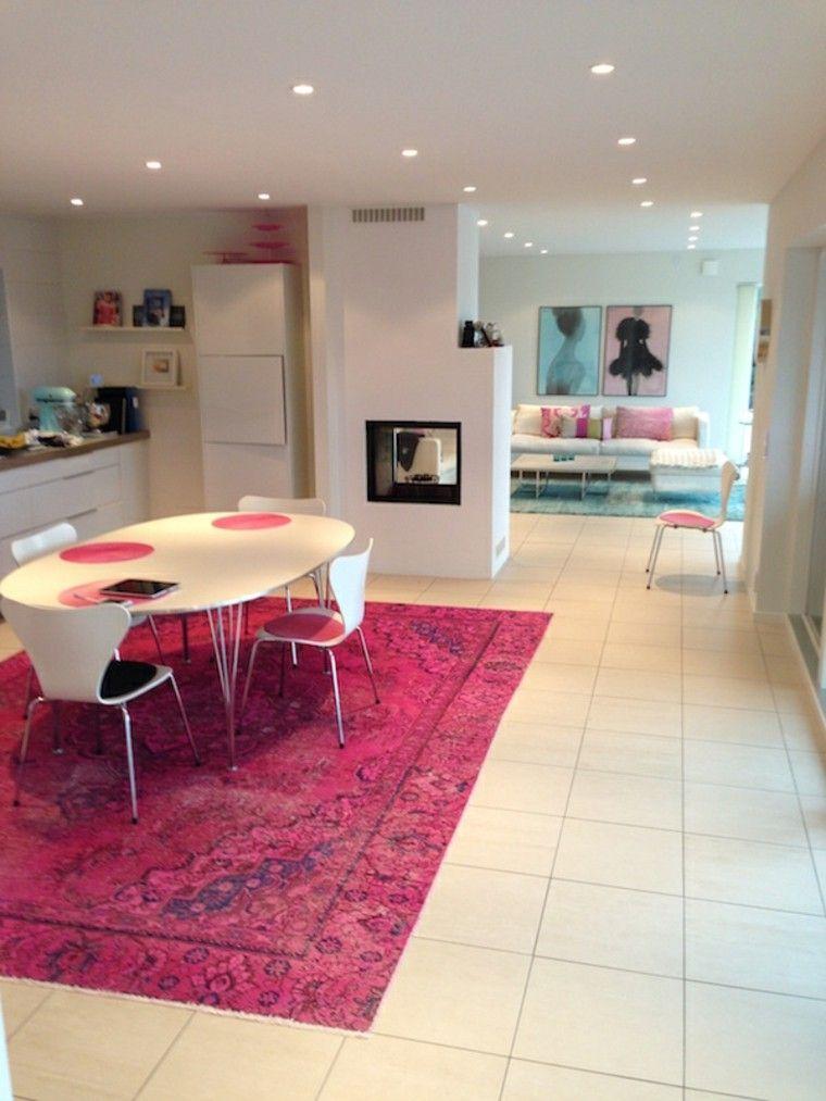 alfombra vintage color rosa cocina muebles blancos ideas