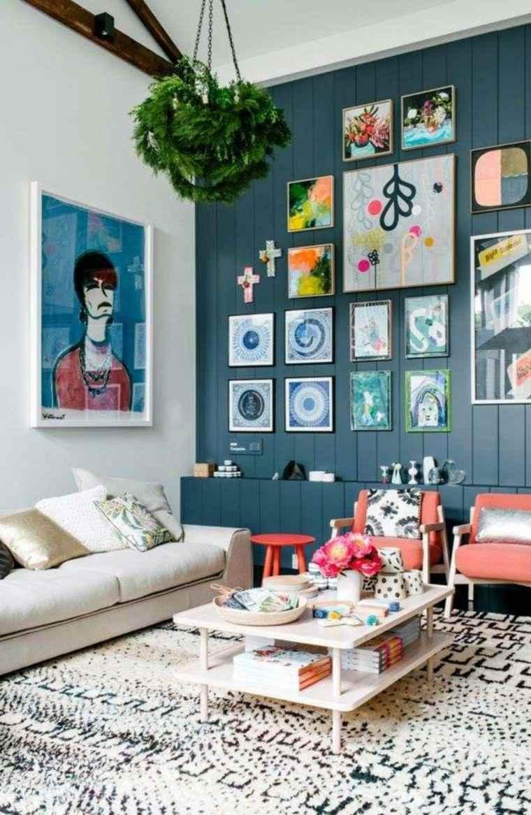 alfombra vintage salon pared azul oscuro ideas
