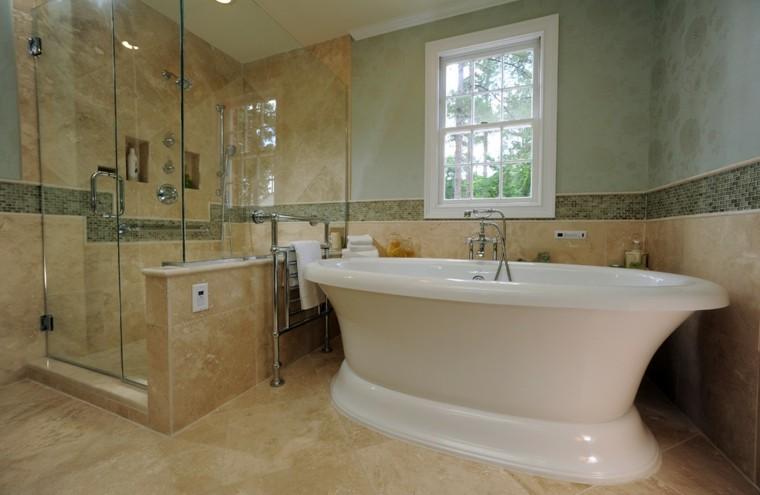 amplia bañera separada cabina ventana