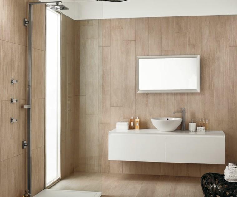 amplio baño decoracion espejo silla
