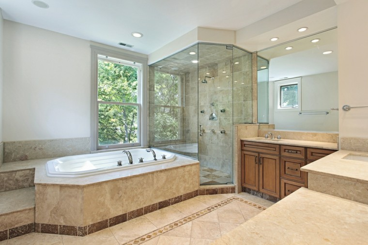 armarios madera lavabo ducha banera bano amplio ideas