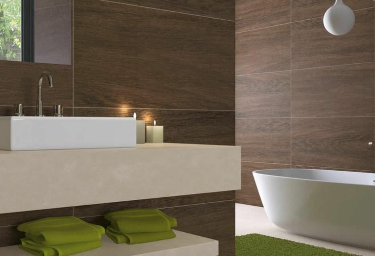azulejos diseño verdes toallas lampara