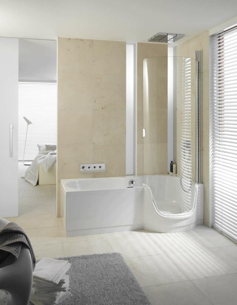 bañera combo ducha lampara toallas