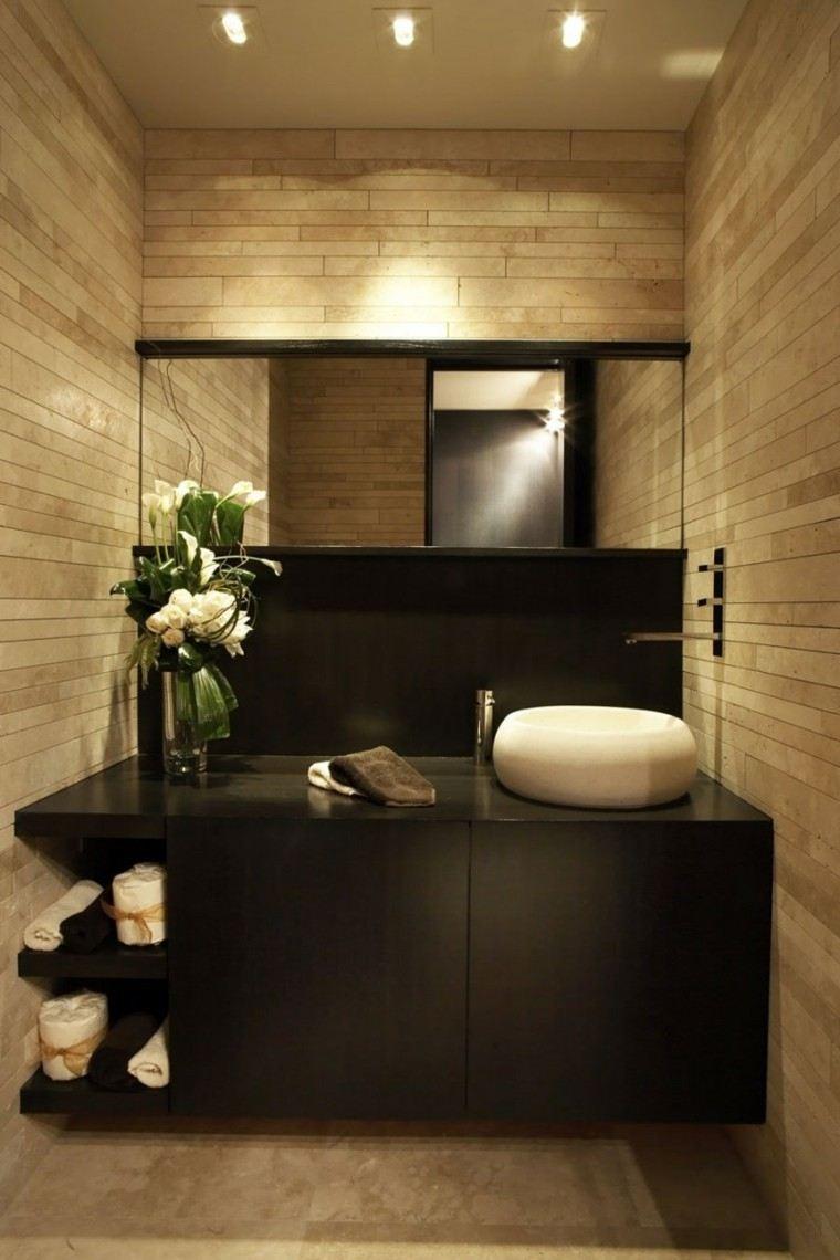 baño estrecho espacio plantas mueble