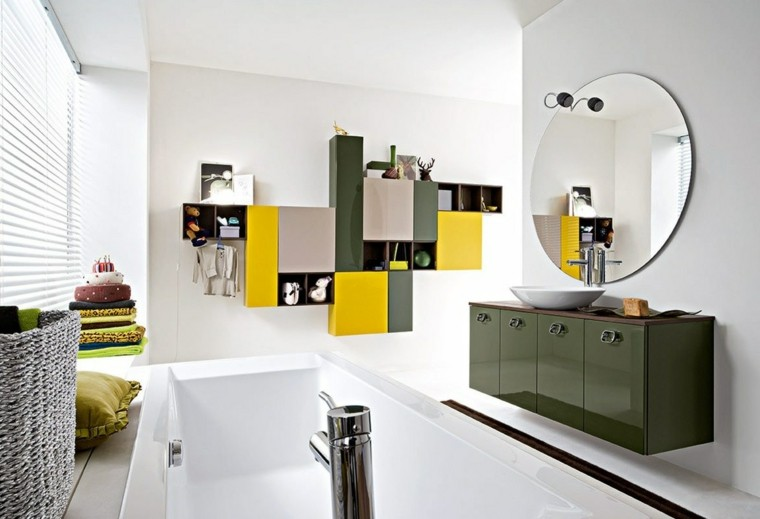 baño estilo moderno verde amarillo