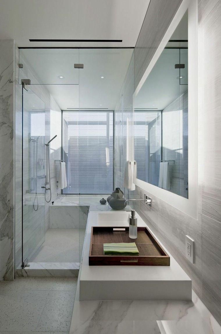 diseño baño pequeño color blanco