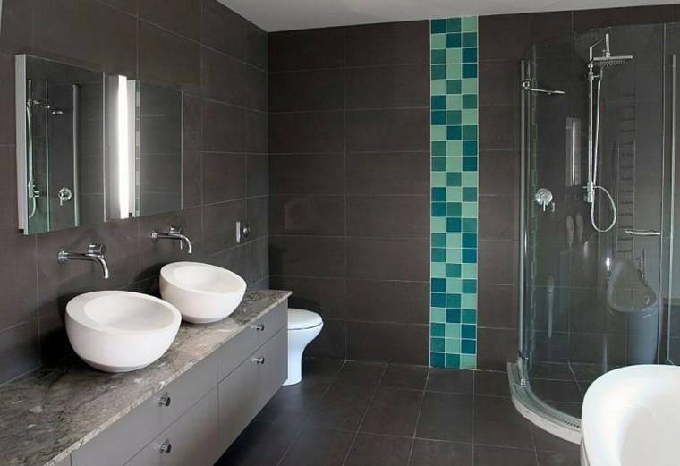 baños con plato de ducha color gris