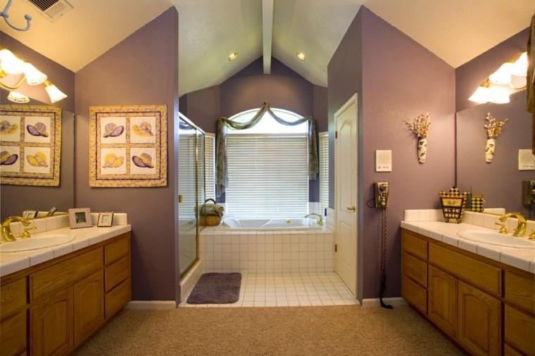 diseño baños de color malva