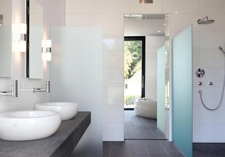 bano diseno minimalista dos lavabos ducha estilo