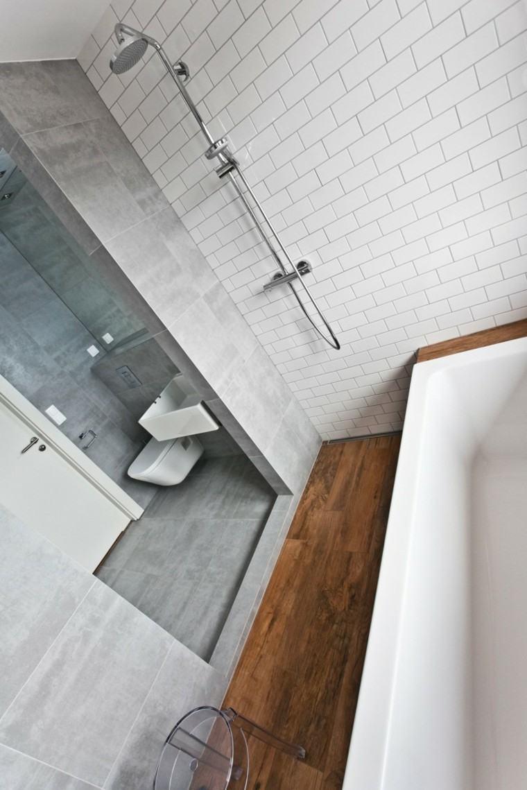 bano-moderno-pared-losas-blkancas-grises