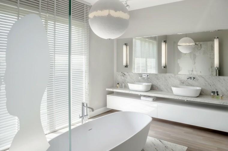 banos estilo minimalista moderno banera blanca espejo ideas