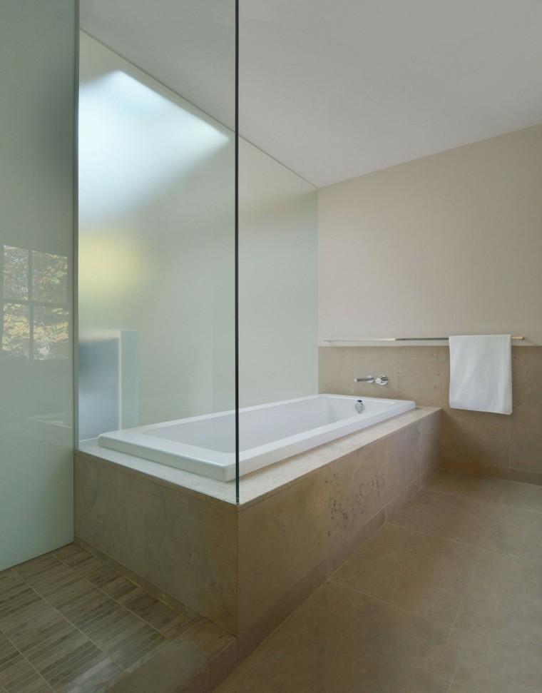 banos estilo minimalista moderno banera losas beige ideas