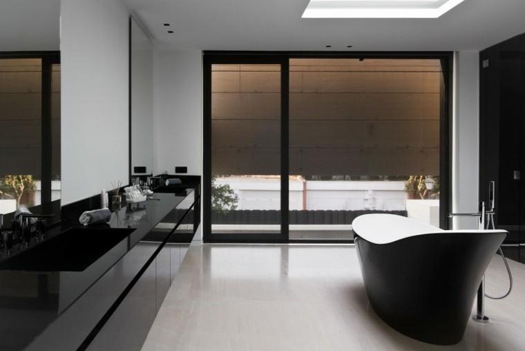 banos estilo minimalista moderno banera negra ideas