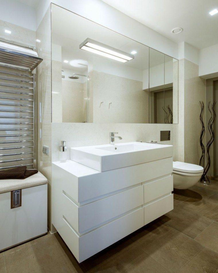 banos estilo minimalista moderno espejo grande lavabo blanco ideas