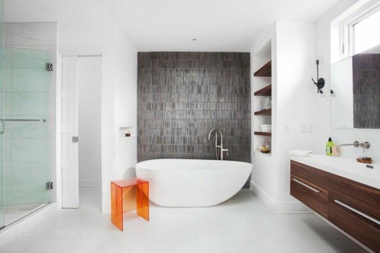 banos estilo minimalista moderno estanterias madera ideas