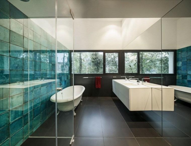 banos estilo minimalista moderno losas azules ideas
