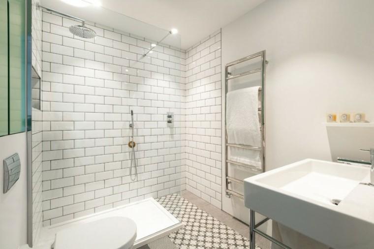 banos estilo minimalista moderno losas blancas lavabo ideas