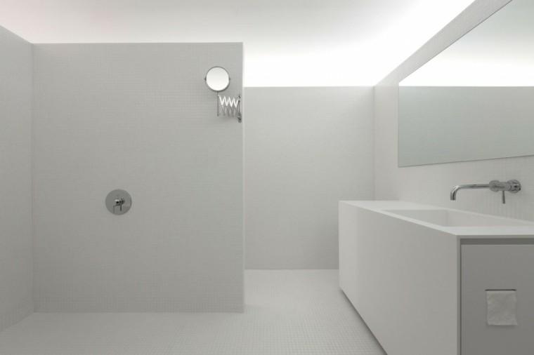 baños minimalistas modernos mosaico blanco amplio ideas