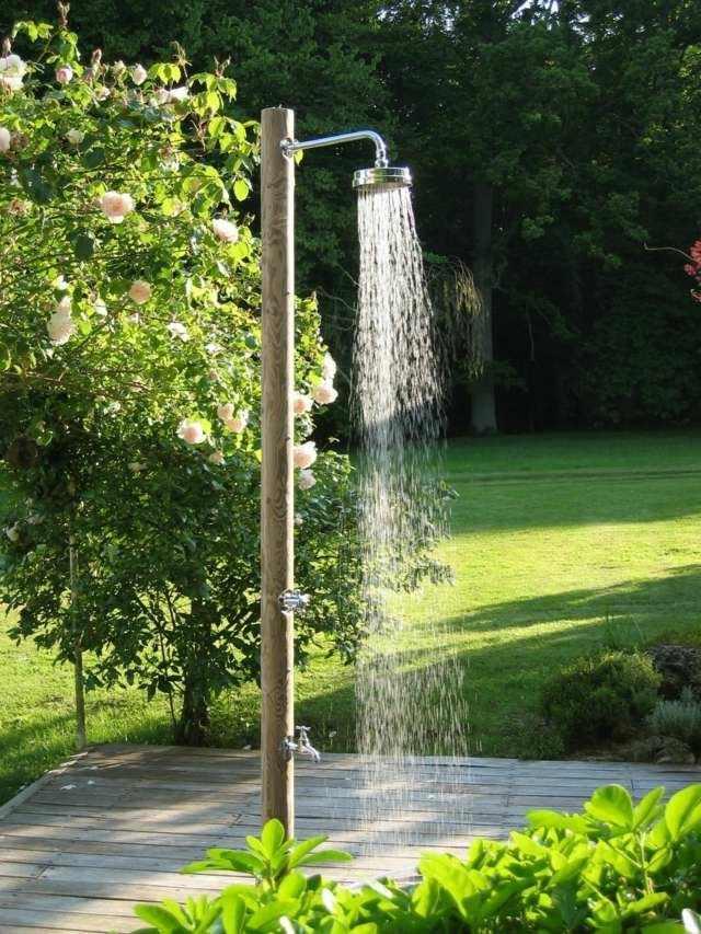 Platos de ducha de obra para el jard n 63 im genes - Duchas exteriores para piscinas ...