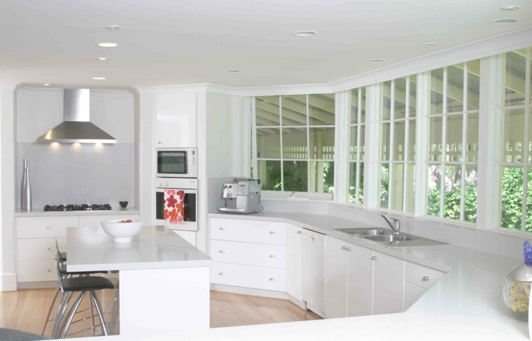 bonita cocina moderna color blanco