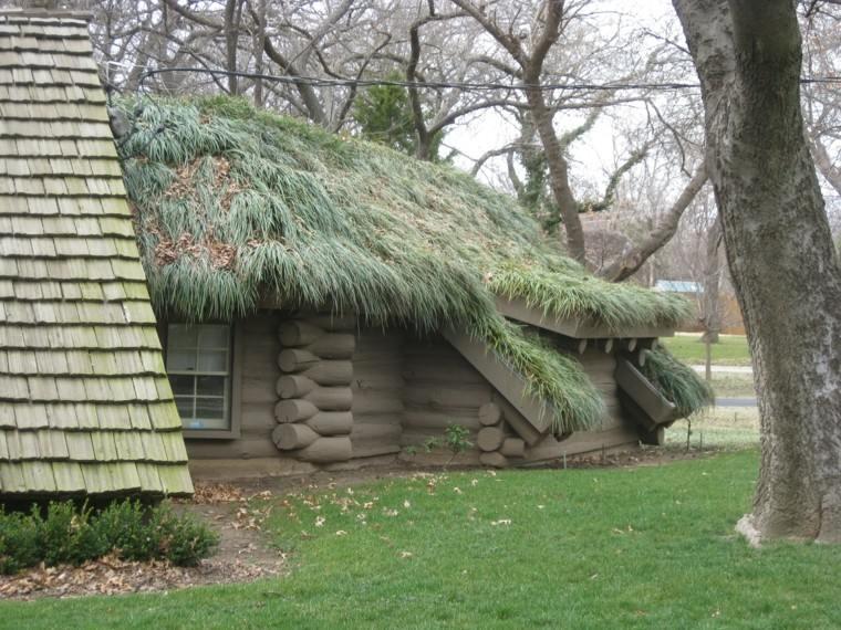cabaña madera cesped tejado