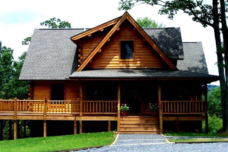 cabaña madera porche escaleras