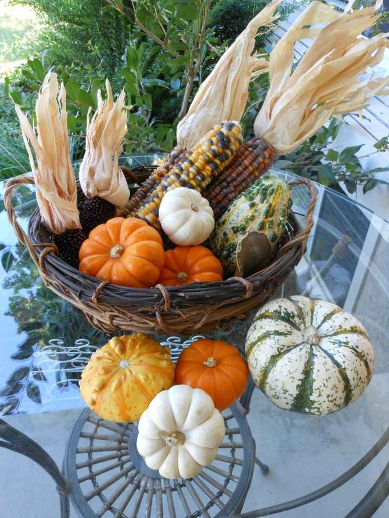 calabazas maiz decoraciones otono mesa cesto ideas
