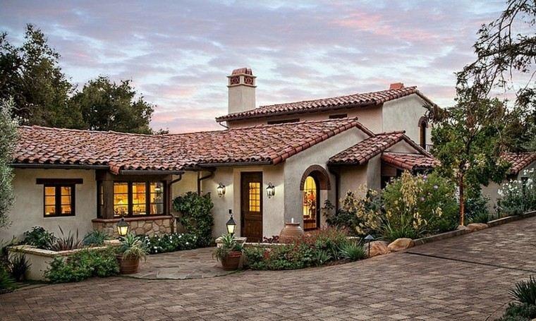 Fachadas de casas rusticas cincuenta dise os con encanto for Jardines de casas rusticas
