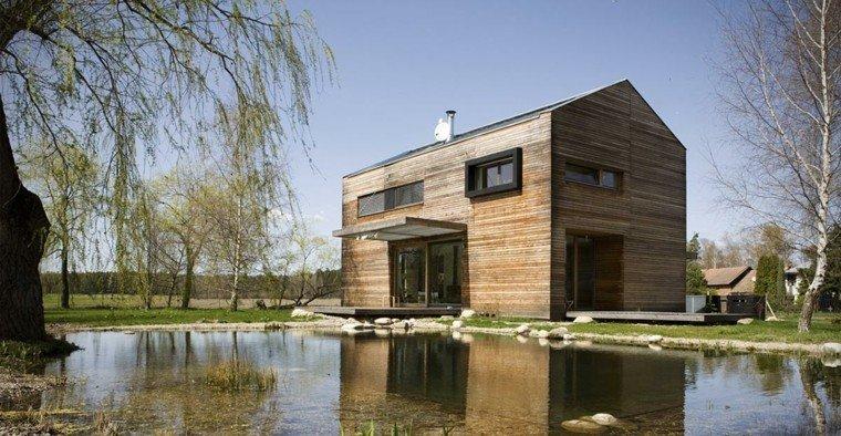 casa madera moderna estanque natural