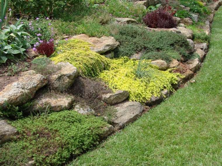 cascadas amarilla verde rocas cesped