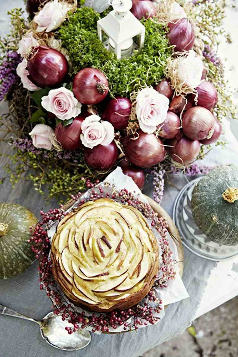 centro mesa cebollas pastel manzana