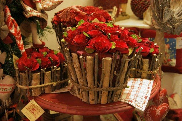 cestos rosas rojas otoño ramas