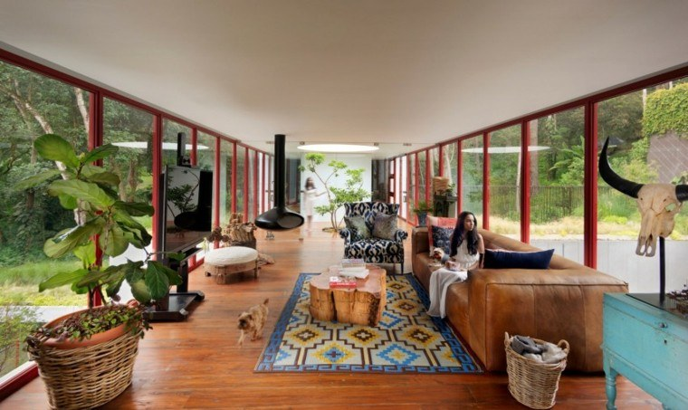 chimenea acero negro colgando techo madera moderna ideas