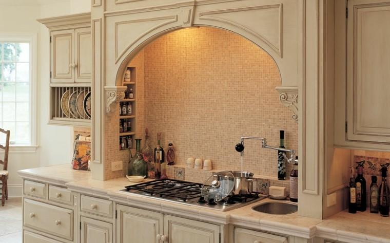 cocina color beige pared mosaico