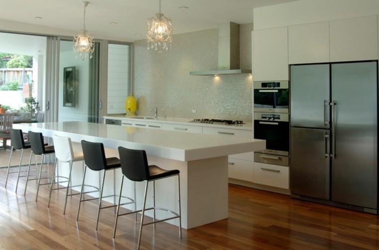 Cocina americana con barra funcionalidad en tu hogar - Suelo madera cocina ...