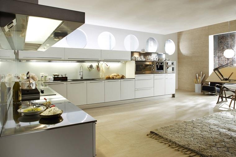 cocina blanca estilo minimalista amplia alfombra ideas