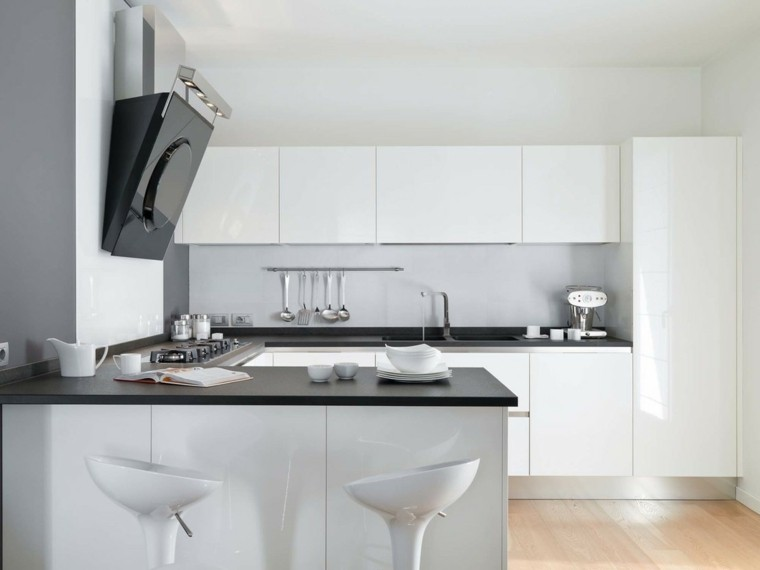 cocina blanca estilo minimalista encimeras negras ideas