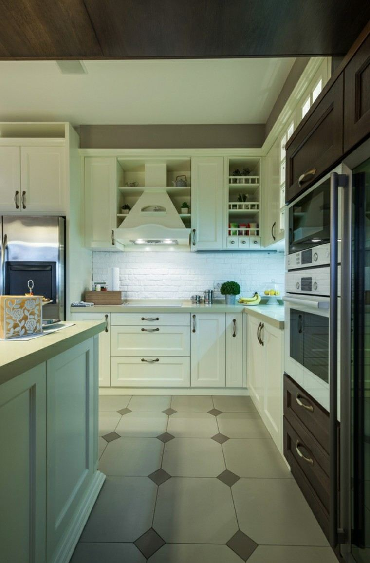 cocina-blanca-estilo-minimalista-ladrillo-pared