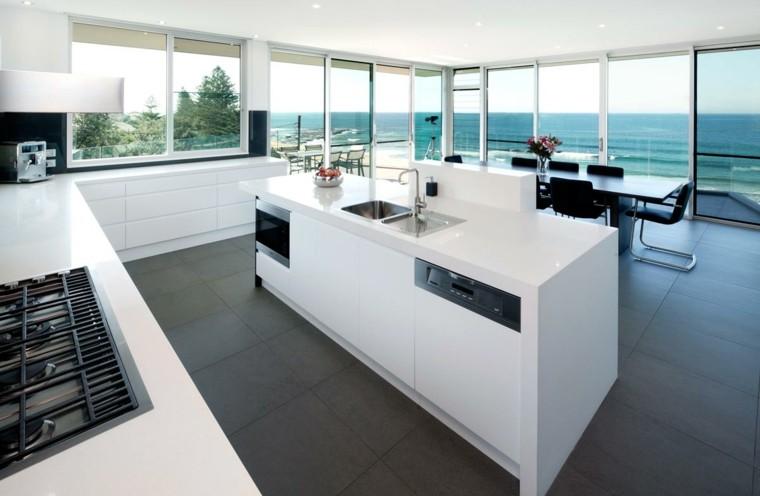 diseño cocina blanca vistas mar