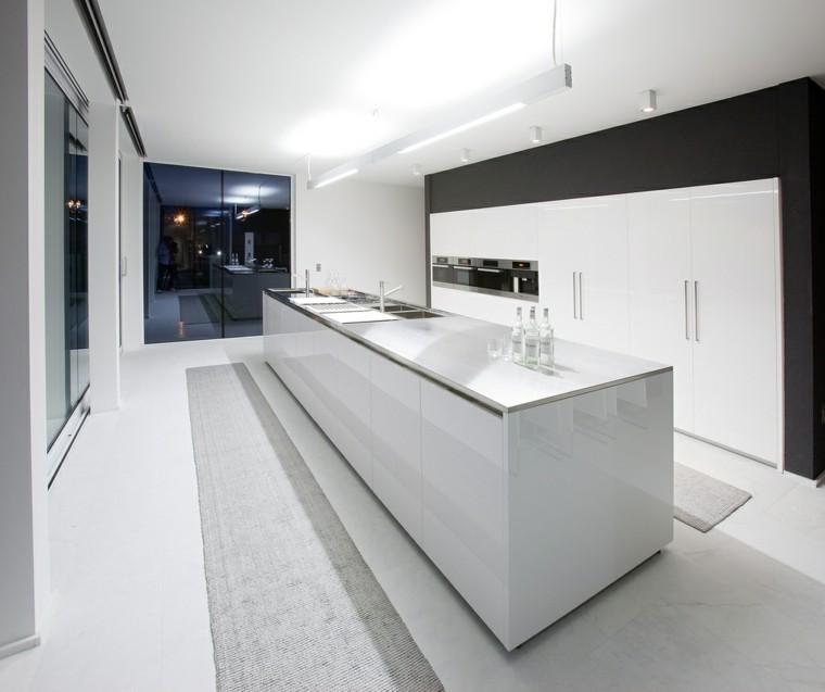 Cocinas blancas de dise o moderno 50 ejemplos - Cocina blanca con encimera blanca ...