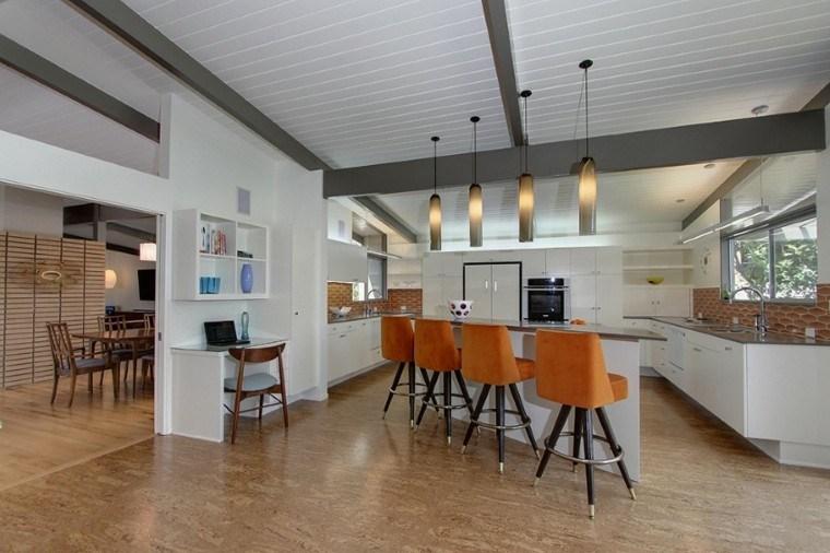 cocina moderna sillas color naranja