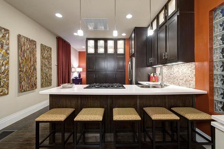 Decorar con cuadros 25 ideas para el hogar moderno for Cocinas grandes modernas